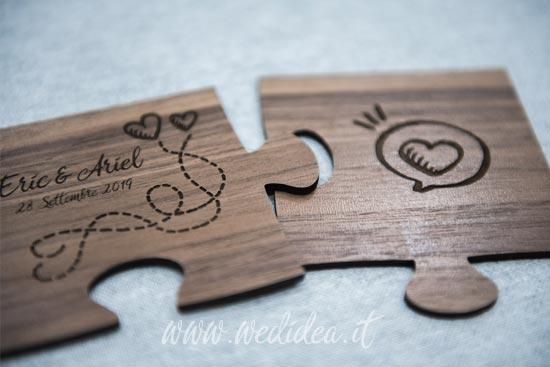 Puzzle due pezzi con incisione sposi